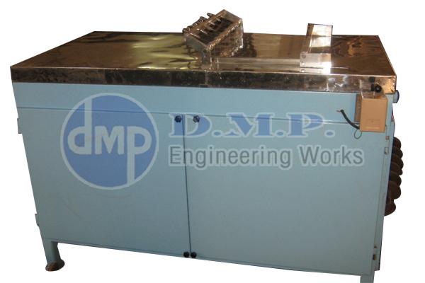 Manufacturer of cake cutting machine